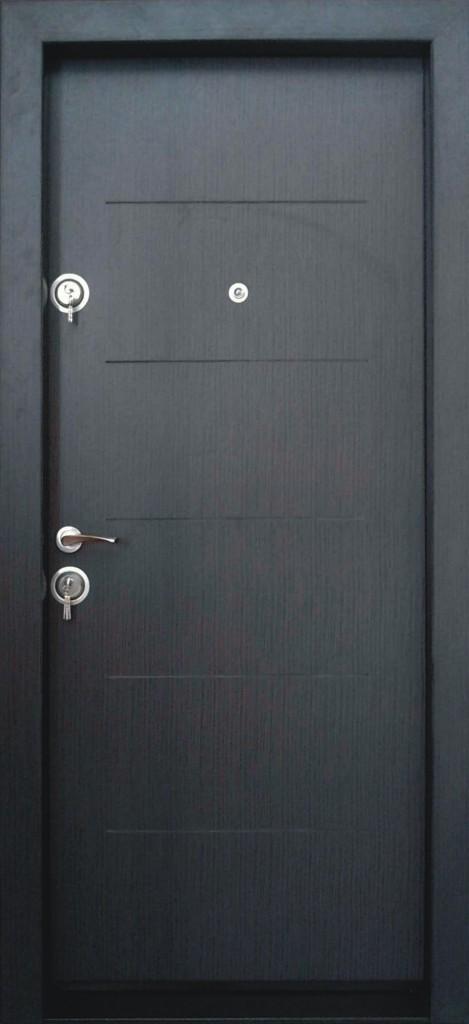 Румънска входна врата за апартаменти